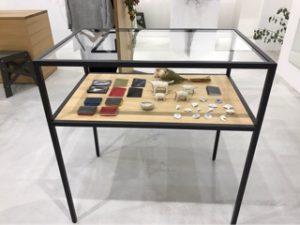アパレル雑貨展示什器