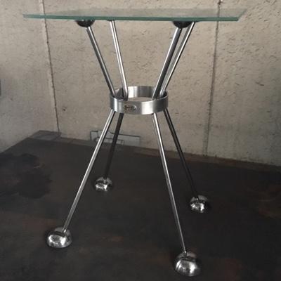 スペースエイジガラステーブル